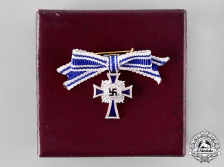 Germany, Third Reich. An Honour Cross of the German Mother, Silver Grade Miniature with Case, by Gustav Brehmer