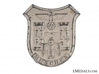 WHW (Winterhilfswerk) Munich Badge
