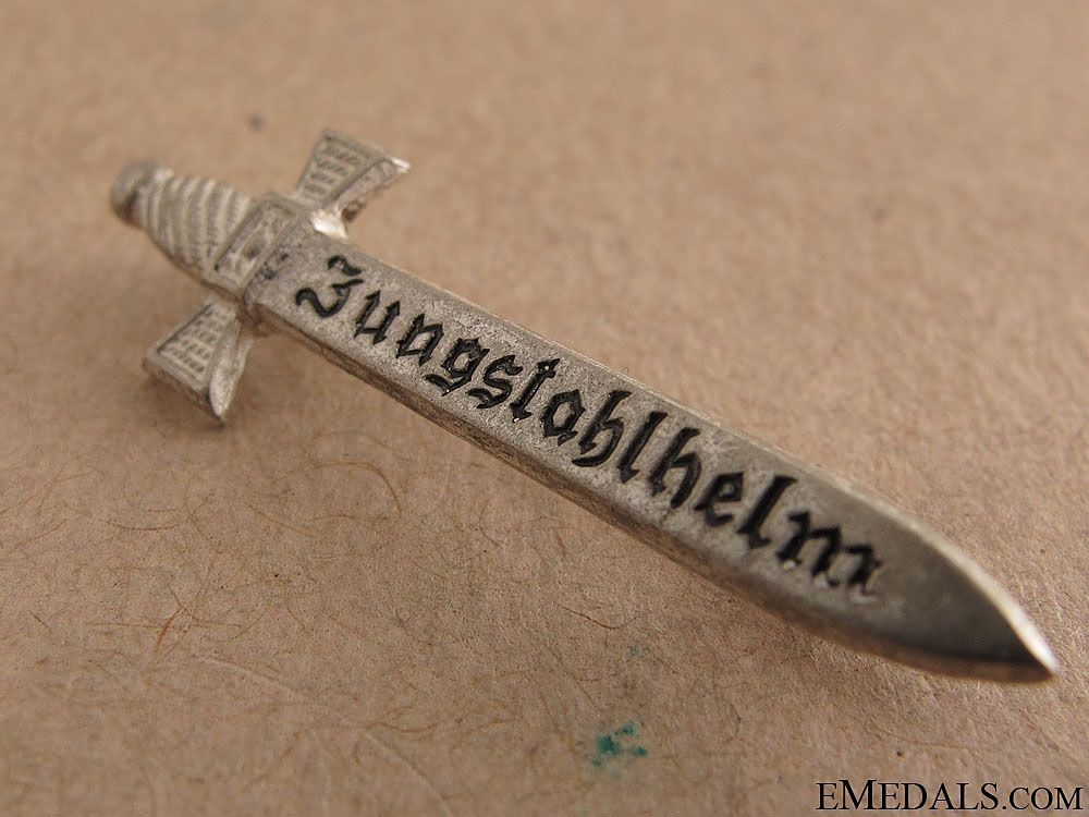 """Jungstahlhelm"" Membership Badge"