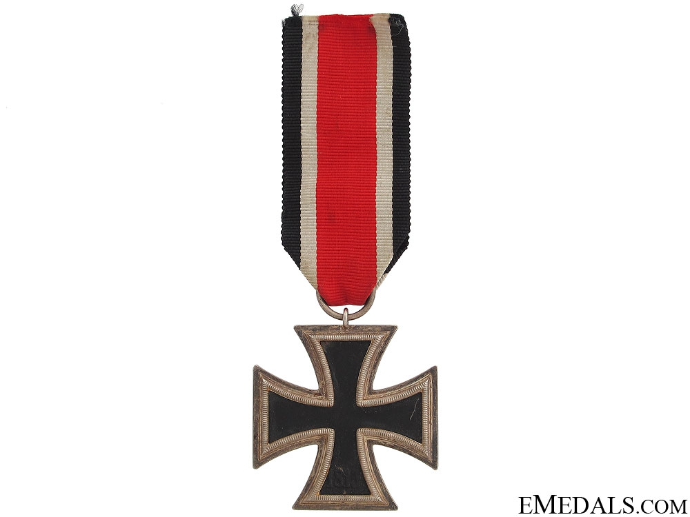 Iron Cross Second Class 1939 - Marked 52