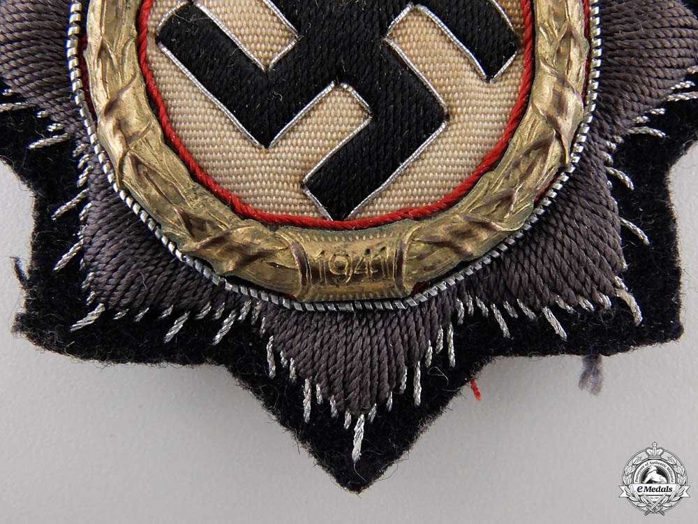 A Kriegsmarine German Cross in Gold, Cloth Version