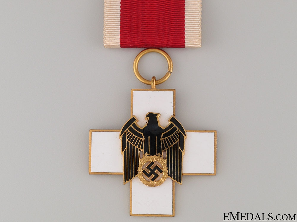 A Cased German Social Welfare Decoration