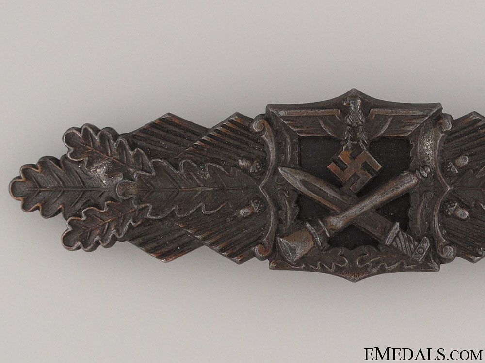 Close Combat Clasp - Bronze by JFS
