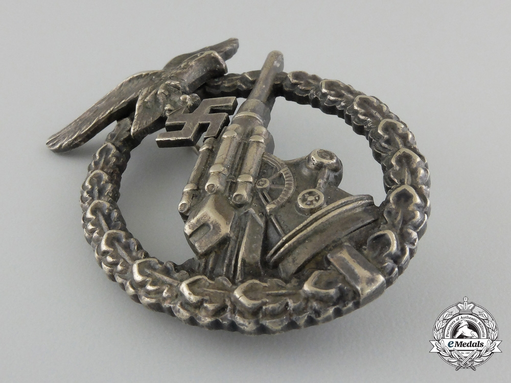 An Early War Period Luftwaffe Flak Badge