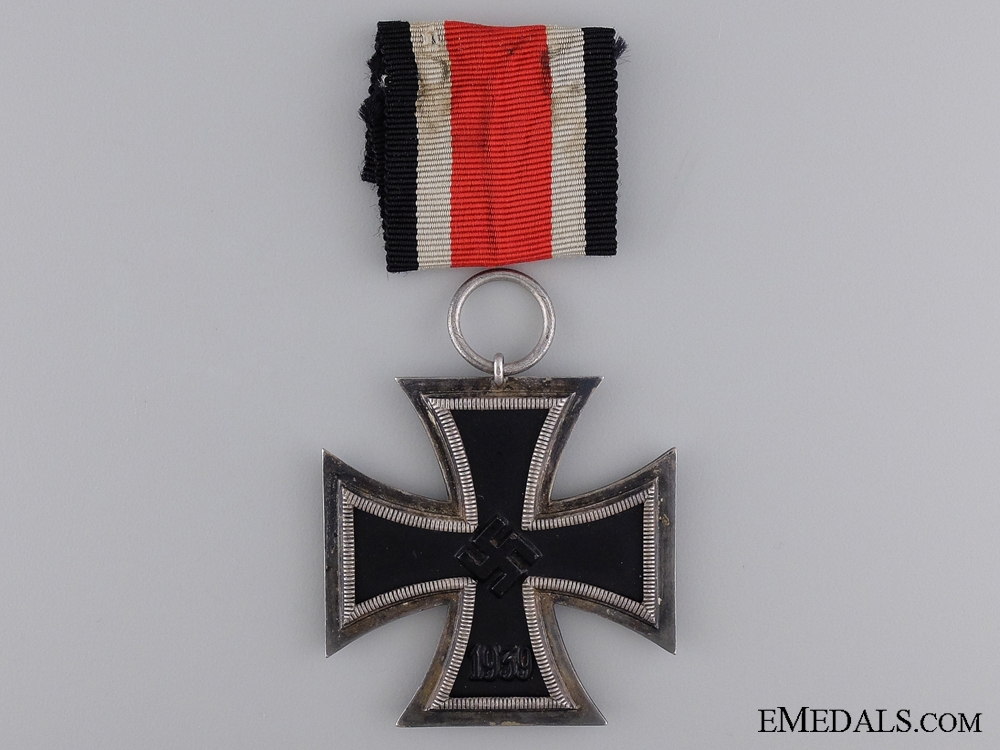A Second Class Iron Cross 1939; Oversized Version