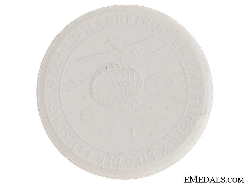 Meissen Porcelain Table Medal - Kreta
