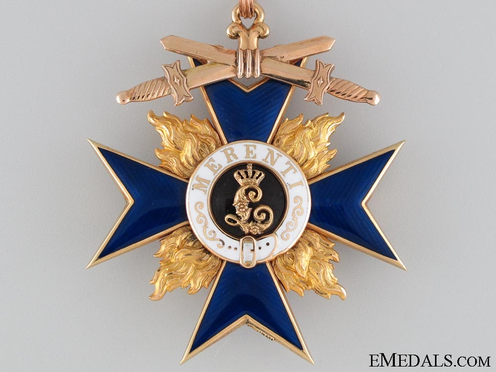 An Exquisite Bavarian Military Merit Cross in Gold; 2nd Class