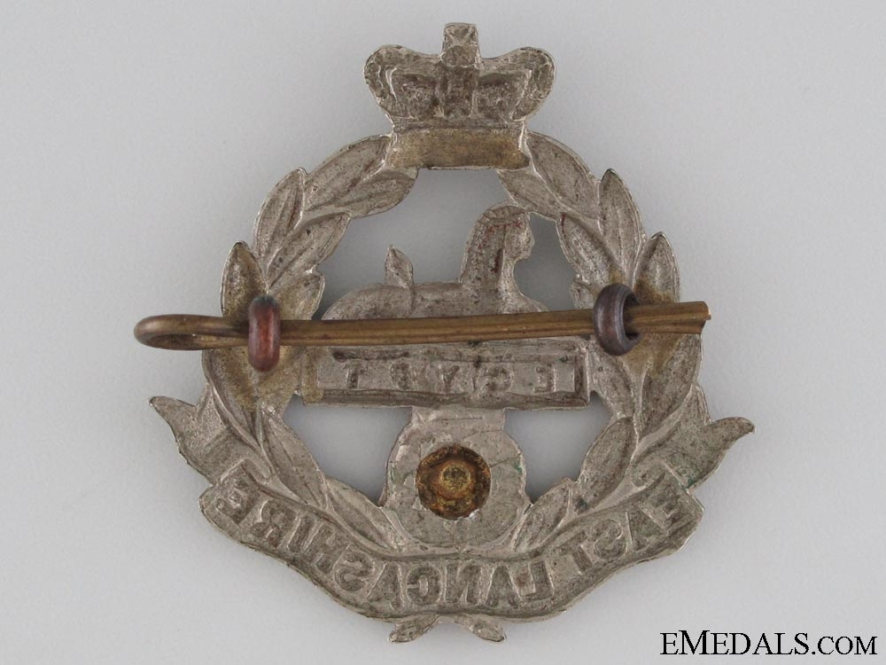 Victorian East Lancashire Regiment Cap Badge