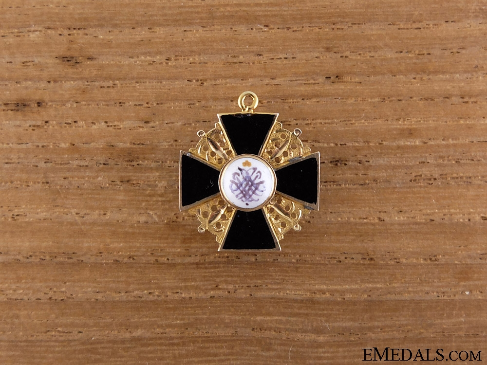 An Early Imperial Russian Miniature Order of St.Anne in Gold