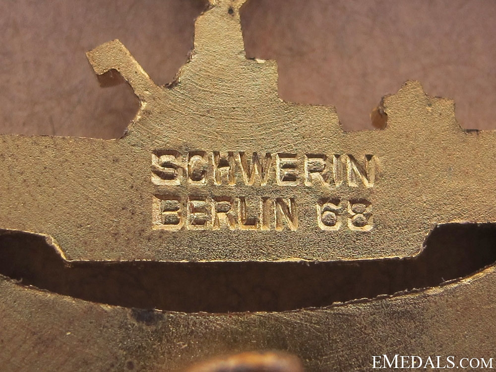 "Submarine Badge ""¢¤ Marked Schwerin, mint/boxed"