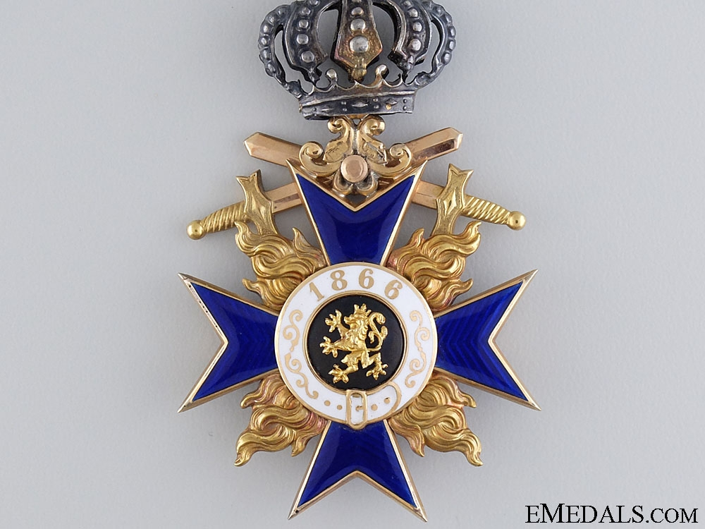 A Gold Bavarian Military Merit Order; 3rd Class with Crown and Swords