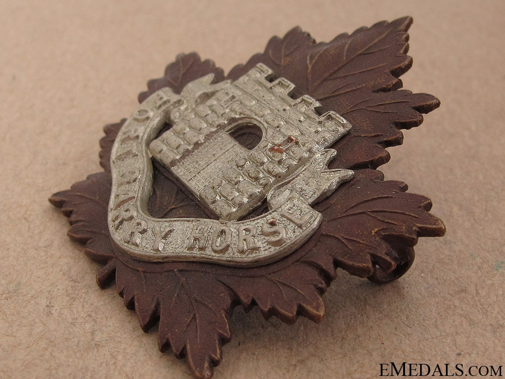 WWII Fort Garry Horse Officer Cap Badge