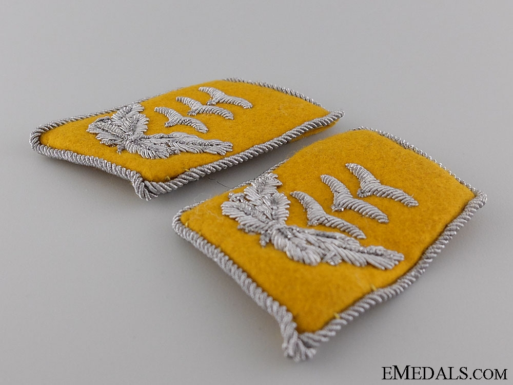 A Set of Luftwaffe Captain's Collar Tabs