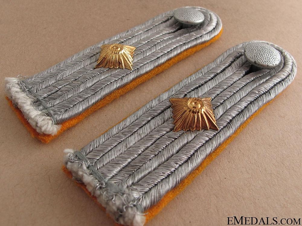 Luftwaffe 1st. Lieutenant Boards & Collar Tabs
