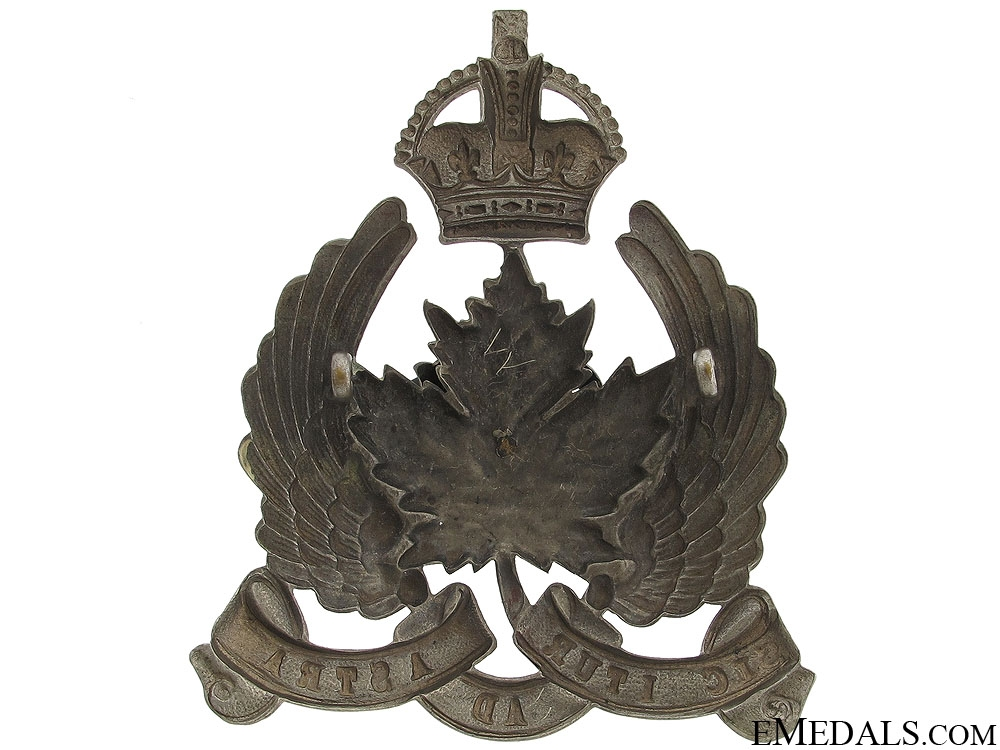 An Early 1920 Canadian Air Force Cap Badge