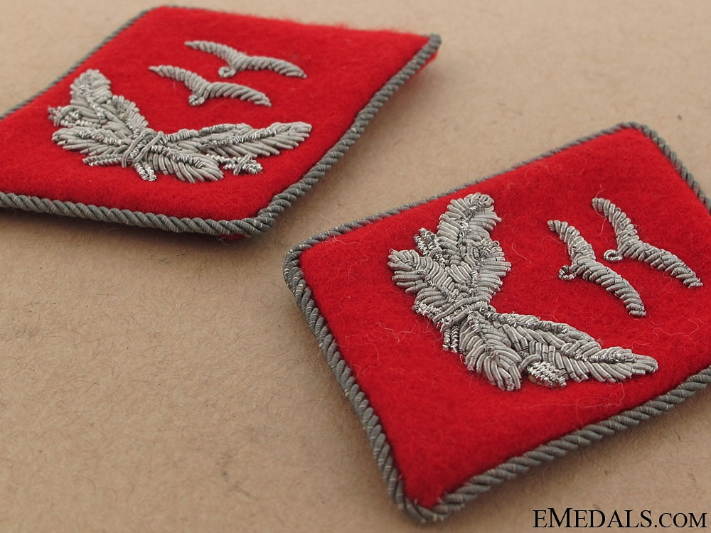 Luftwaffe Flak 1st. Leutnant Matching set Collar Tabs