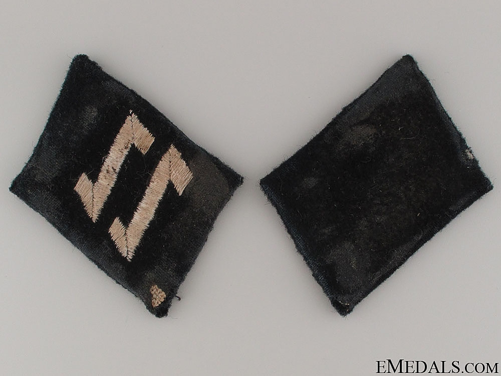 Croatian SS-Eisenstafel Collar Tabs & Cufftitle