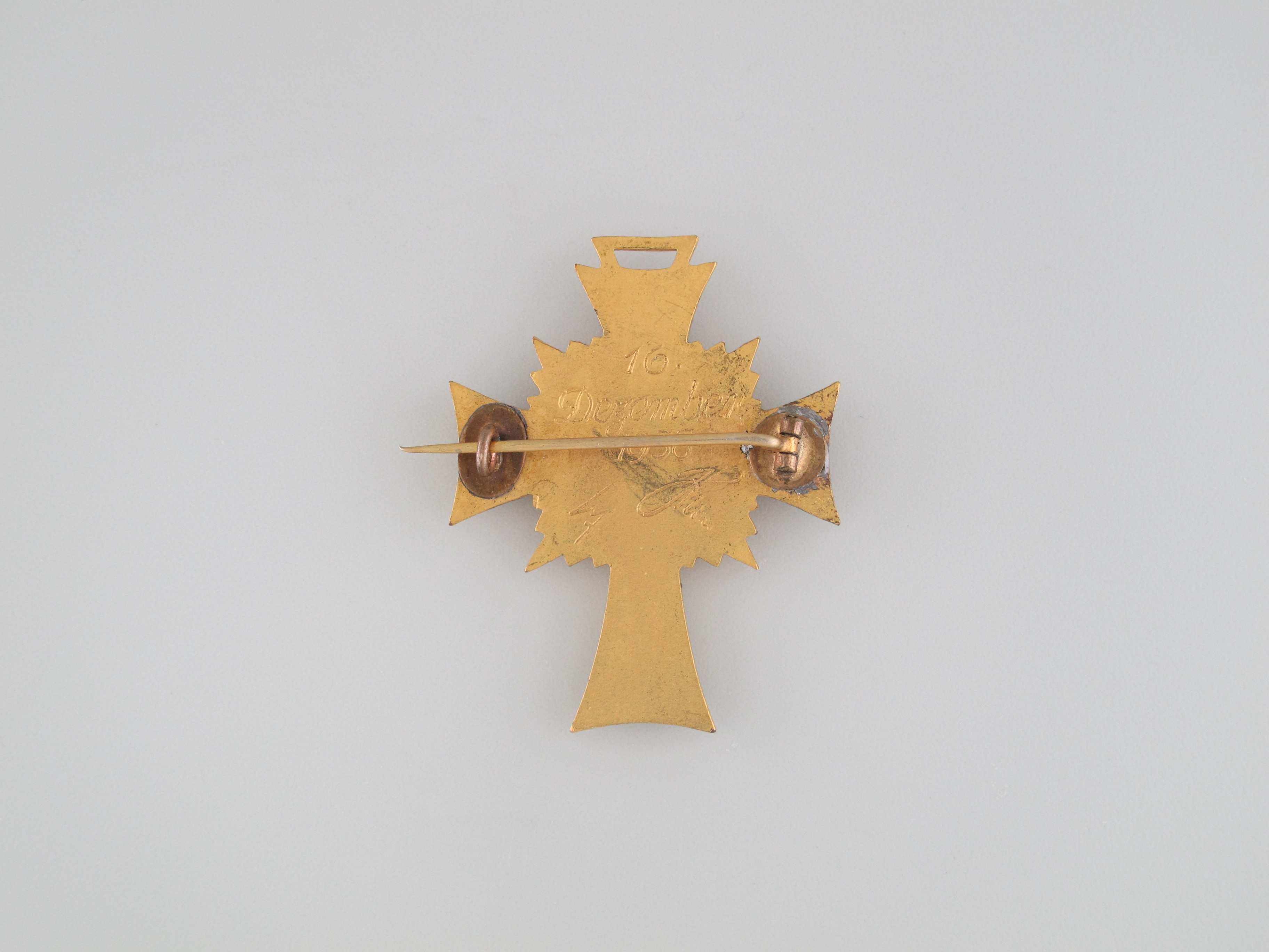 Mother's Cross - Gold Grade