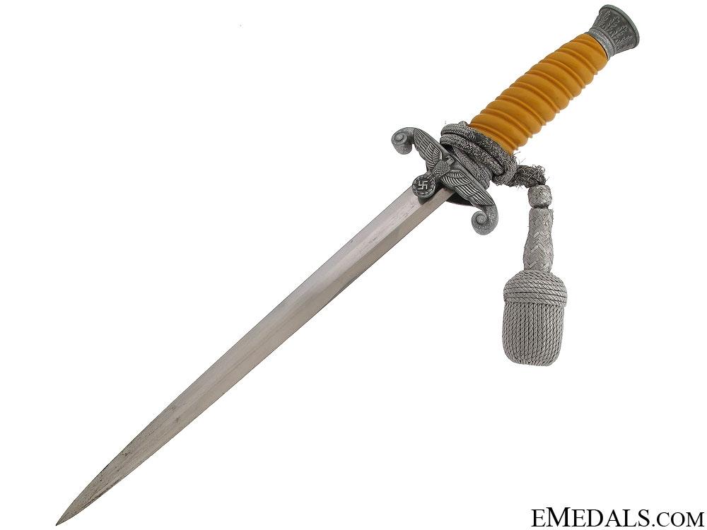 "A ""Vet Bring Back"" Army (Heer) Dagger"