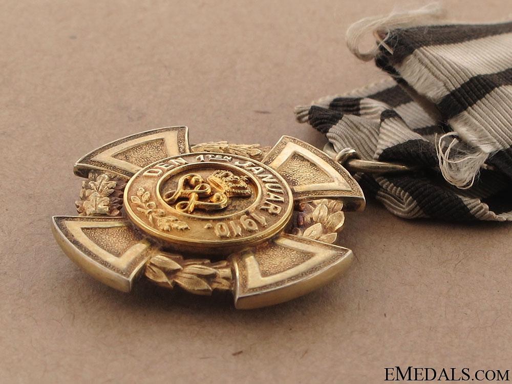 Golden Merit Cross