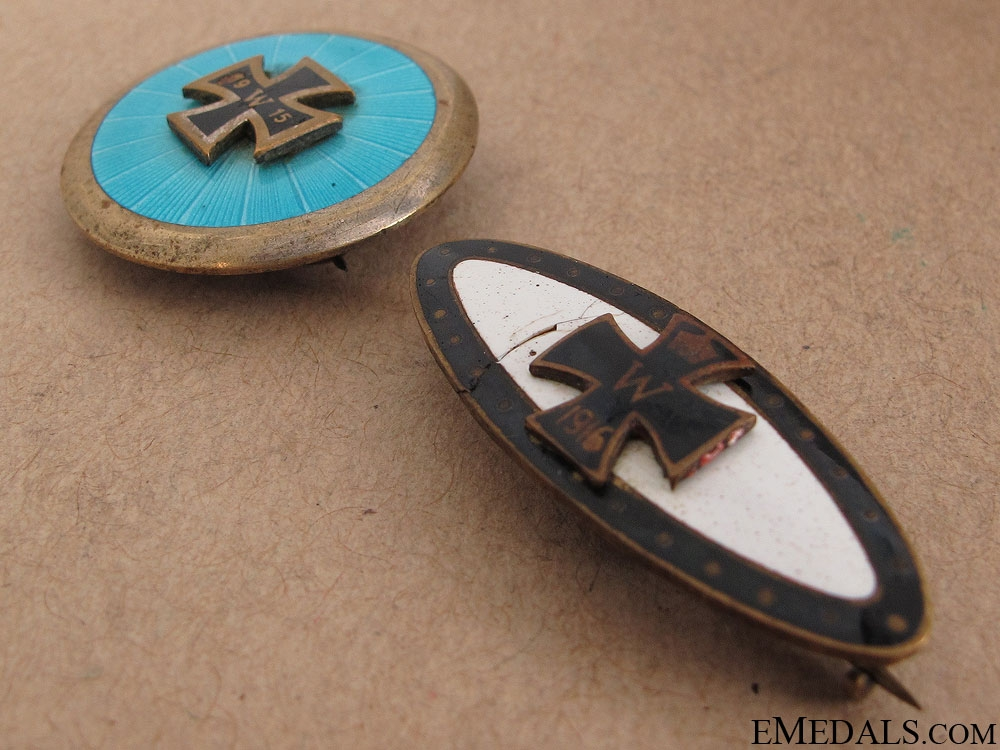 Two WWI German Iron Cross Badges