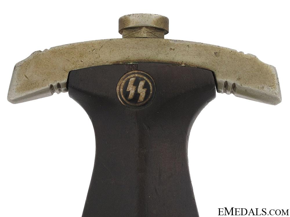 Early Model SS Dagger by Gottlieb Hammesfahr