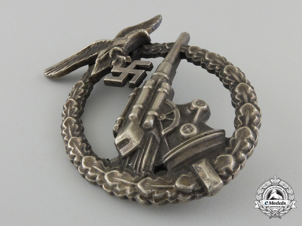 An Early Luftwaffe Flak Badge, by Juncker, Berlin