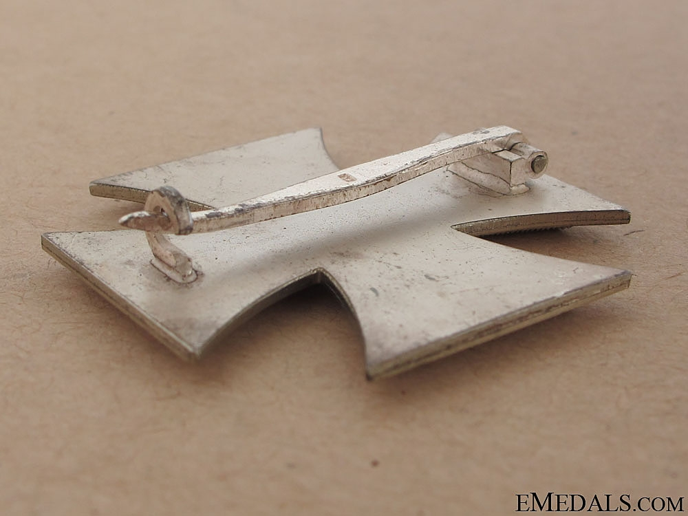 Iron Cross 1st. Cl. 1939 – # 15, F. Orth