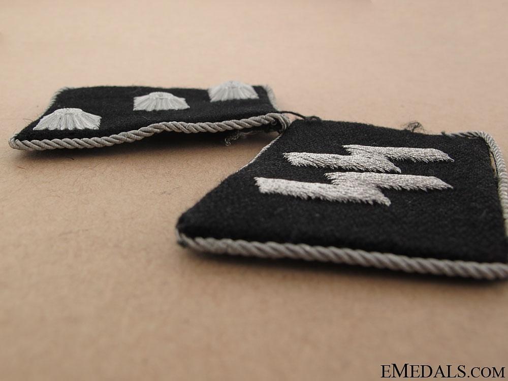 Waffen-SS Untersturmführer Set of Collar Tabs