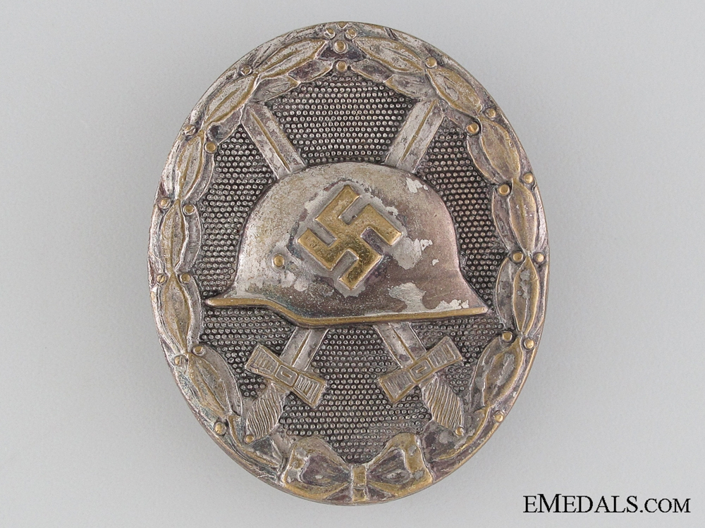 A Silver Grade Wound Badge by Hauptmnzamt Wien