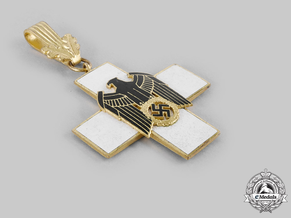 Germany, Third Reich. A Social Welfare Decoration, I Class, by Godet