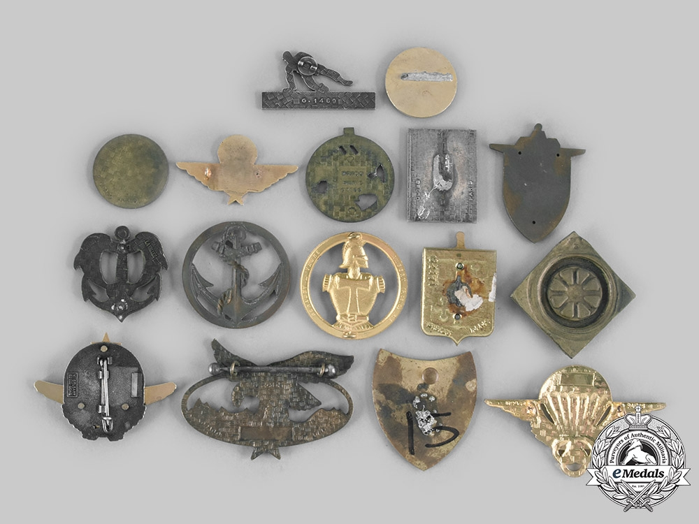 France, Republic. A Lot of Sixteen Air Force, Army, Foreign Legion, Navy, Paratrooper Badges