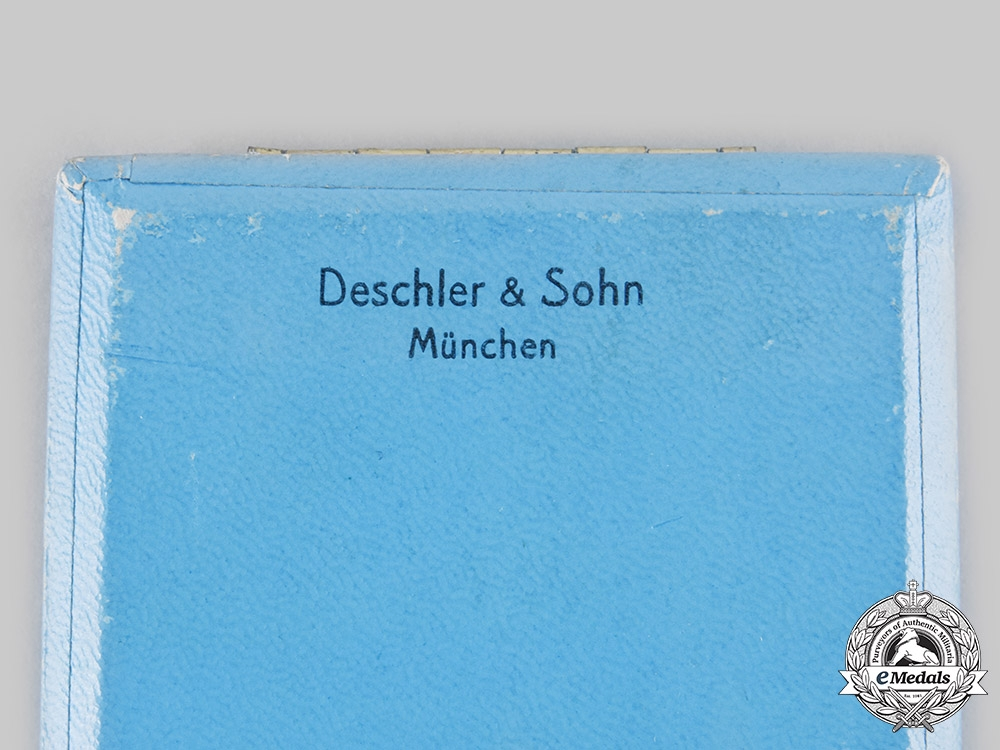 Germany, Third Reich. A Bavarian Industry 25-Year Faithful Service Badge, with Case and Miniature, by Deschelr & Sohn