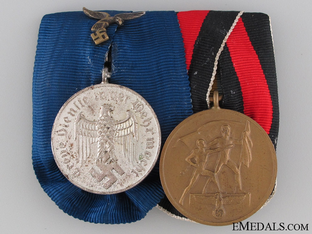 Pair of Luftwaffe Service Medals