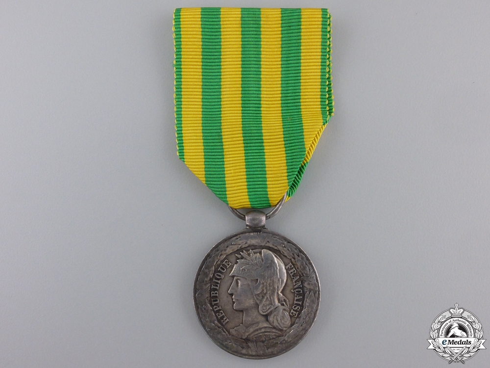 A 1883-85 French Tonkin Medal; Navy Issued
