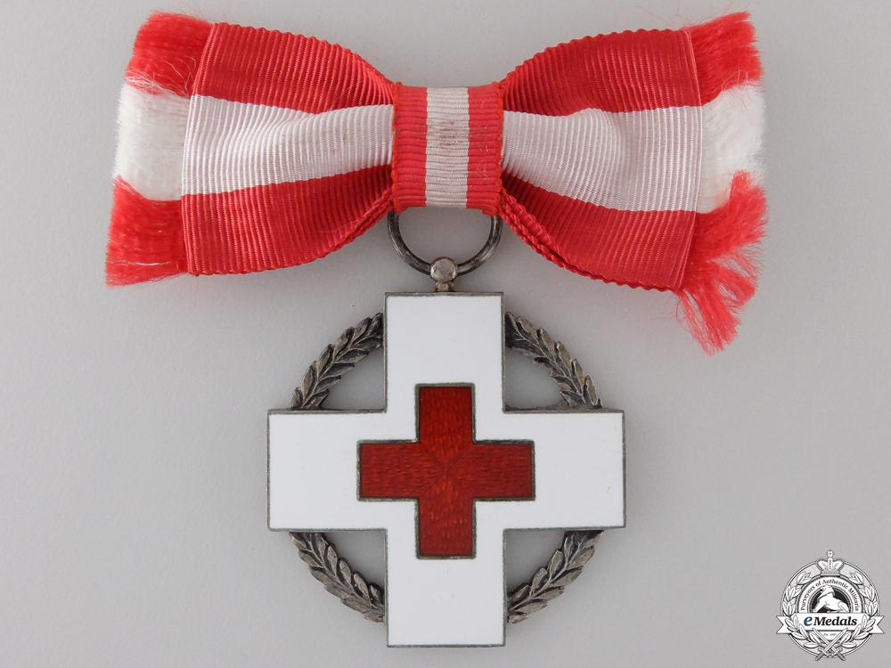 Denmark, Kingdom. A Red Cross Decoration, Ladies Version, c.1945