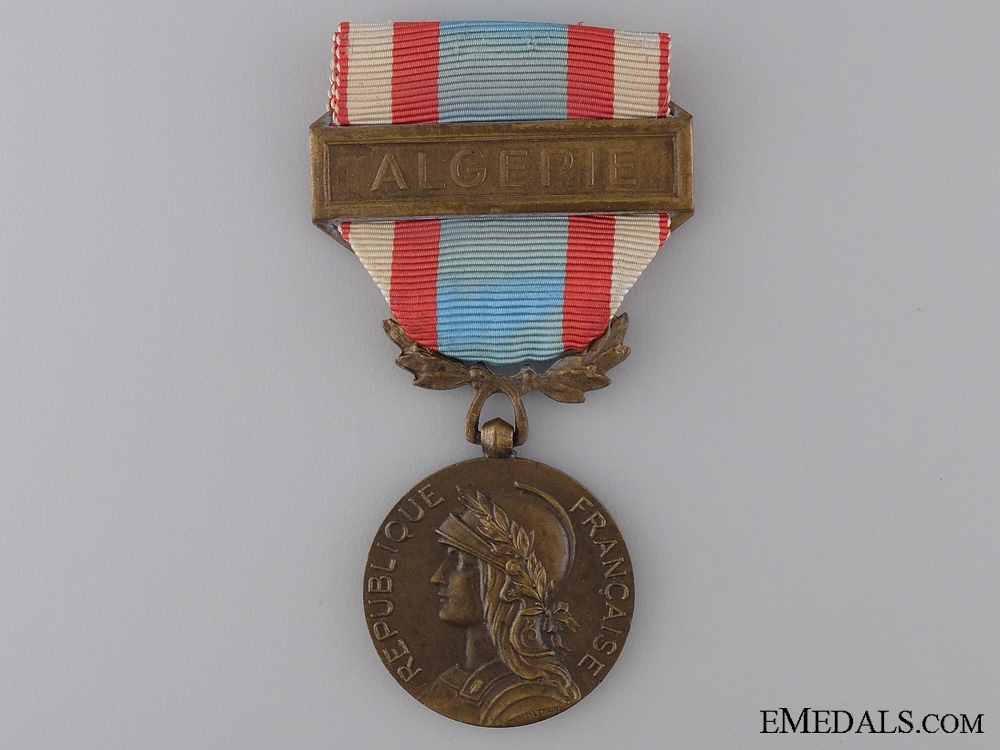 A 1958 French Medal for Operations in North Africa; Algerie