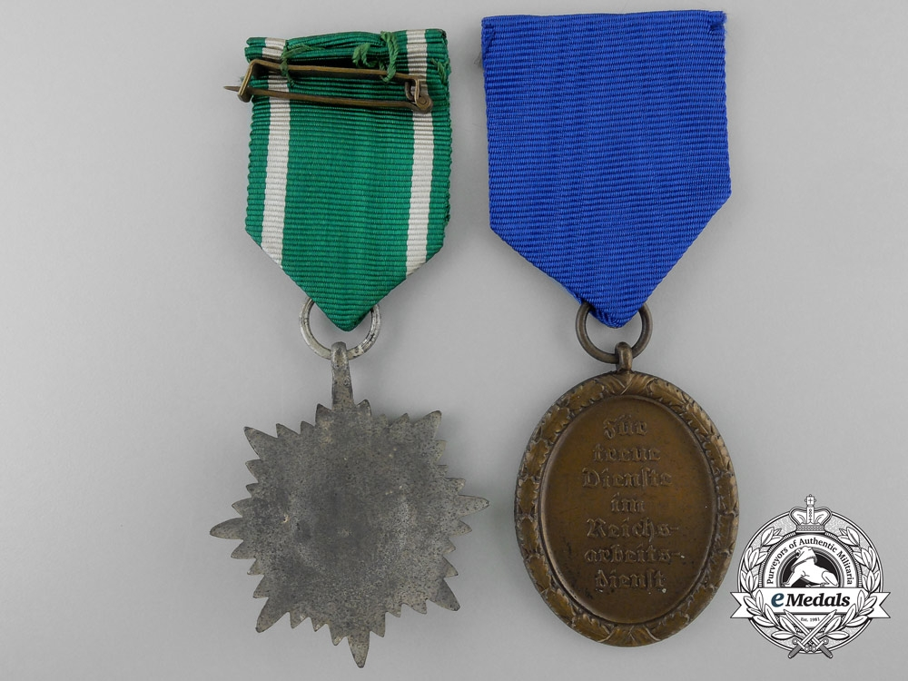 Two second war period german medals decorations for Awards decoration