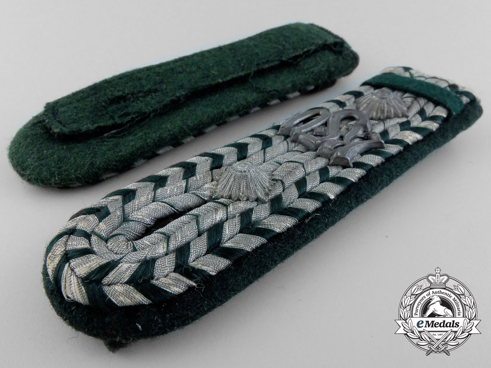 A German Customs RSV-Reichsfinanzverwaltung  Official's Insignia Set