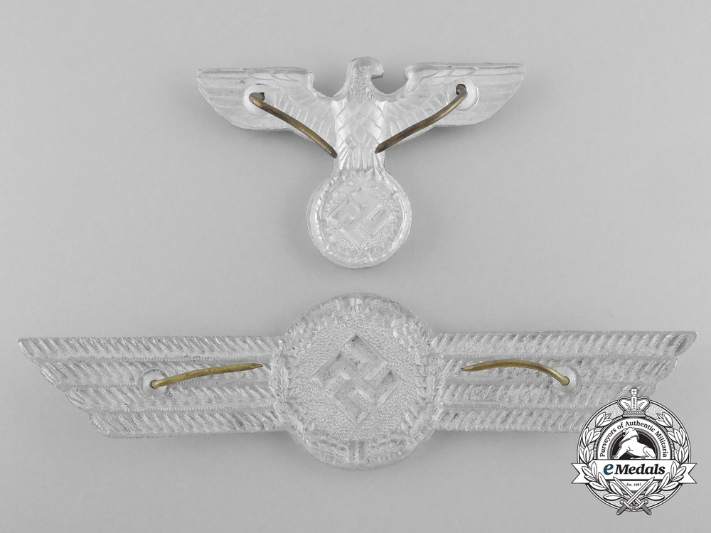 Germany, Luftwaffe. A Civil Employee Officer's Visor Cap Insignia