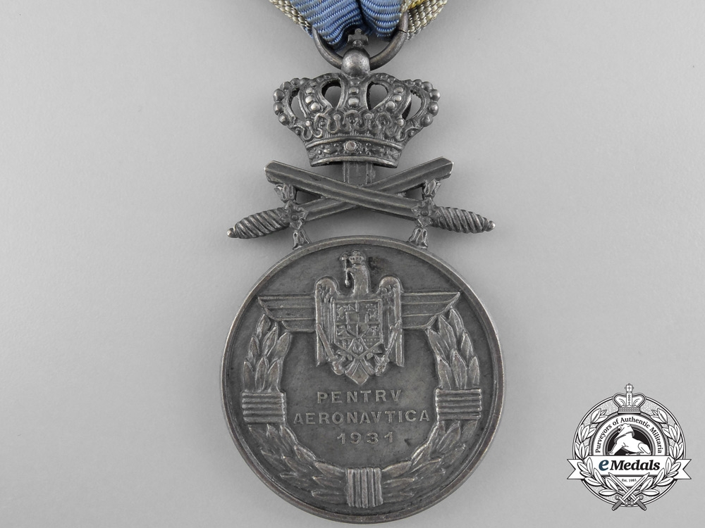 A Romanian Air Force Bravery Medal with Crossed Swords; Silver Grade