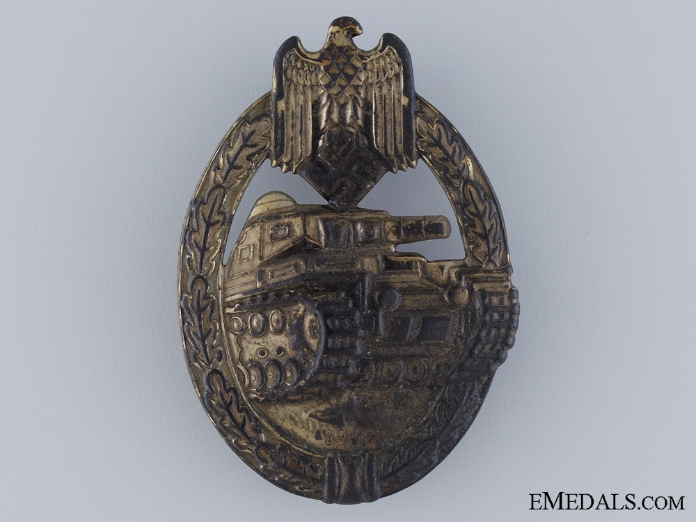 A Bronze Grade Tank Badge; Unmarked