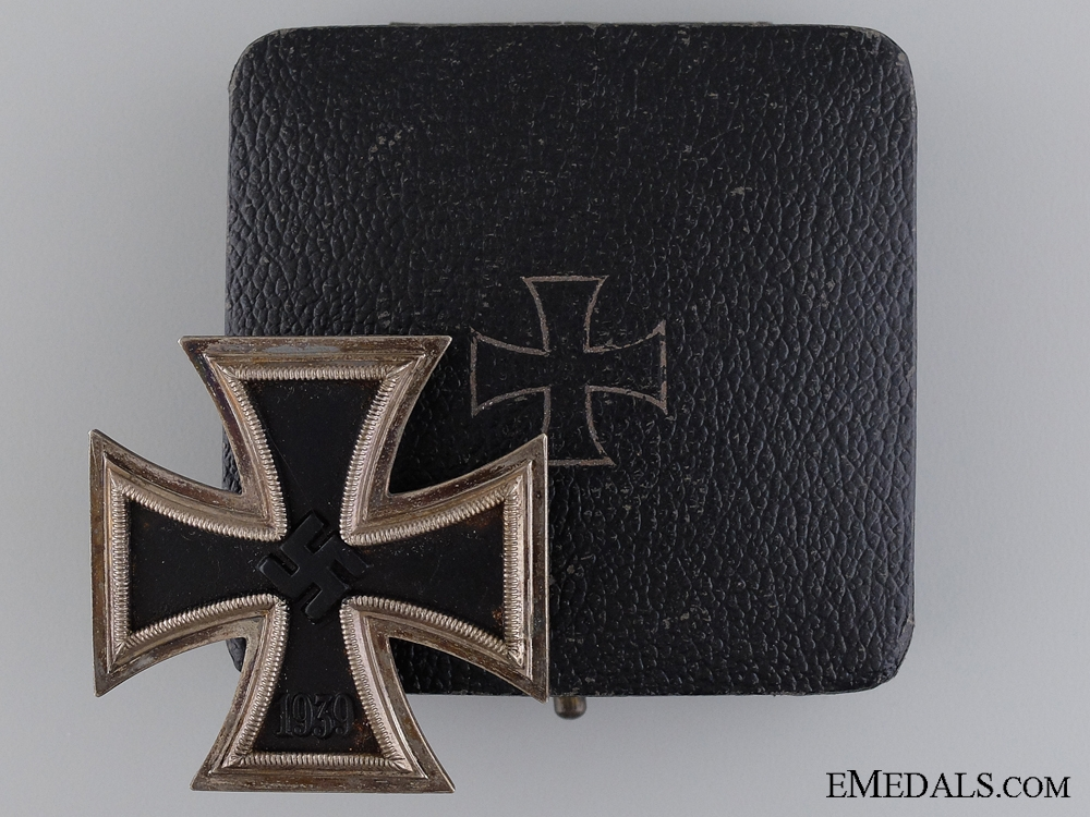 A Cased Iron Cross First Class 1939 by Otto Schickle