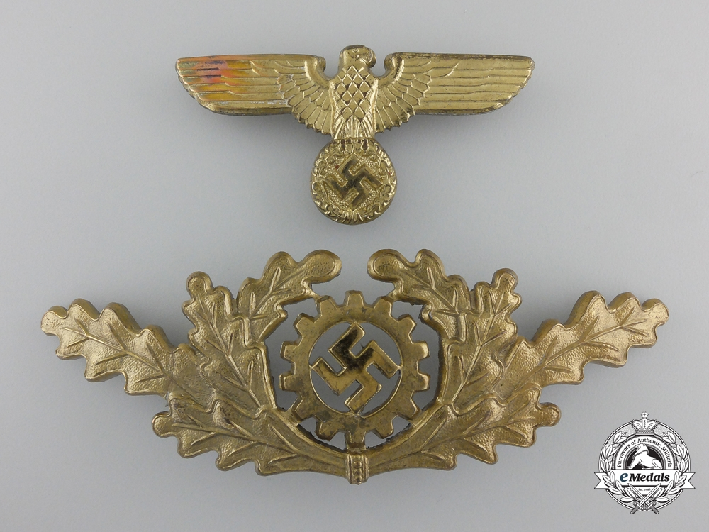 A DAF (Deutsches Arbeits Front) Visor Insignia