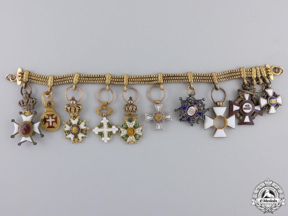 A Diplomats European Miniature Chain
