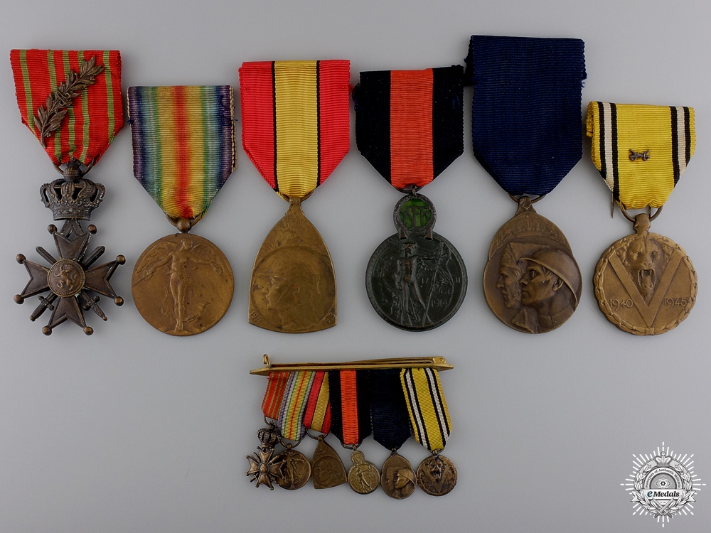 A First War Belgian Medal Bar with Miniatures