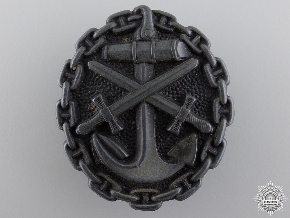 A First War Naval Wound Badge; Black Grade