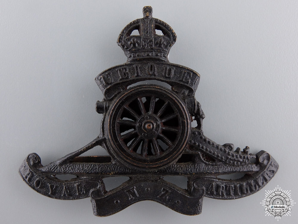 A First War Royal New Zealand Artillery Cap Badge