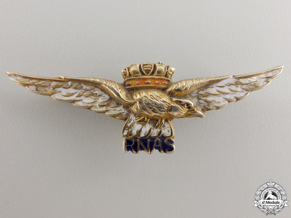 A First War Royal Naval Air Service Badge in Gold by Thomas L. Mott