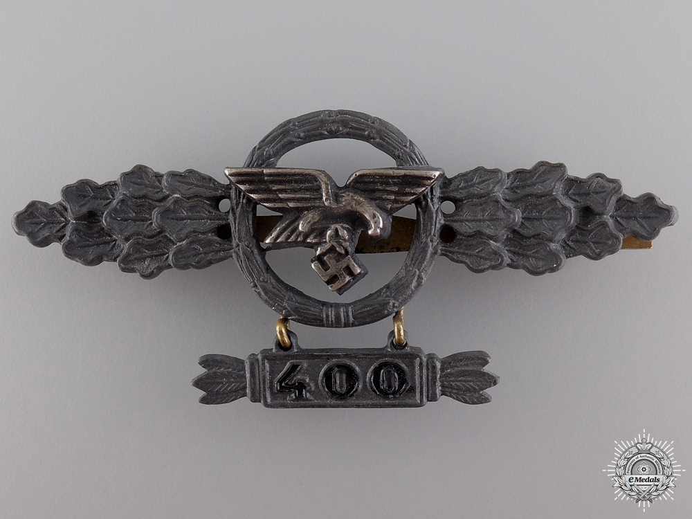 A Gold Grade Squadron Clasp for Transport Pilots with 400 Hanger